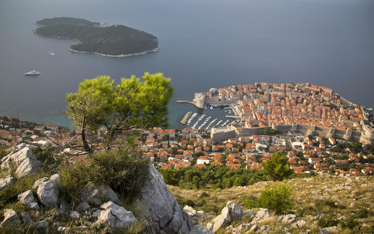 Croatia – Bet on Oil or Tourism